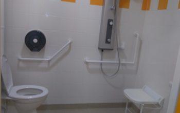 Équipement sanitaire PMR